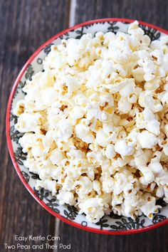 Easy Kettle Corn Recipe made with coconut oil on twopeasandtheirpod.com Perfect for movie night or snack time! #recipe