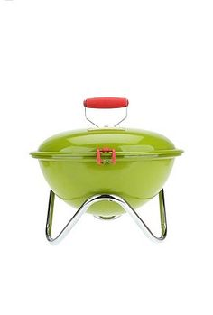 Mini BBQ Grill: how adorable if you have a tiny backyard
