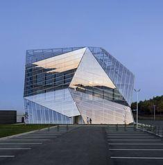 E8 Building / Coll-Barreu Arquitectos