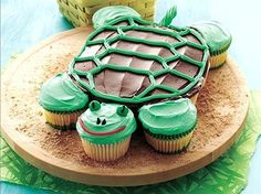 Turtle Cupcake cake- an idea for my girls birthday