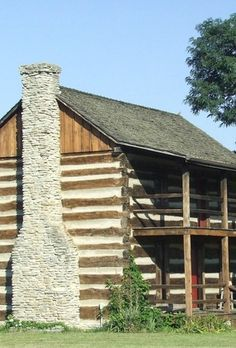 How to Decorate a Log Cabin Home