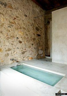 Amazing Stone House In Catalonia | Afflante.com