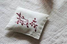 *Free pattern* bird embroidery design