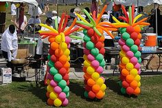 Amusement+Park+Party+Decorations | Holi Balloon Decorations in front of a Food Stall