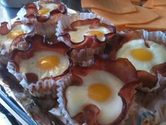 Bacon and egg breakfast cupcakes - looks fun and yummy :)