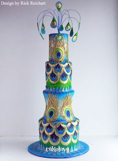 this brought tears to my eyes... love this! Peacock Wedding Cake