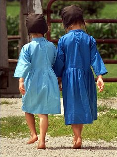 Little Amish girls. I love their freedom to enjoy bare feet!