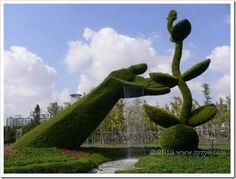 hand, plant, hedg, disney movi, water features, contemporary gardens, garden sculptures, topiari, landscape art