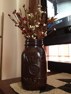 painted mason jars | Painted mason jar decoration | For the Home