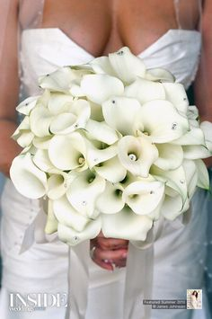 Beautiful classic white bouquet. Do you love?