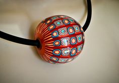 LES GRANDES VACANCES:Hollow polymer clay beads. Several really great examples in this blog post.