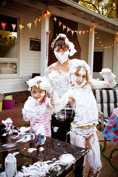 Shaving cream fight! Great idea for a hot summer day.My kids would love this.