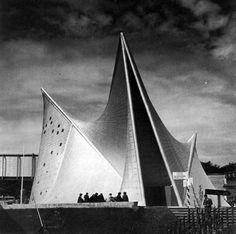 Phillips Pavilion - Corbusier + Xenakis (1958)