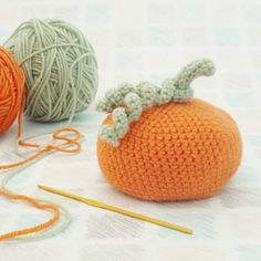 With Halloween just around the corner, I raided my yarn stash and created an easy bean bag pumpkin pattern. Thanks so for free tute xox