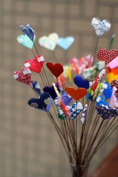 Cute Origami Heart Wands - Valentine Gift Ideas #DIY