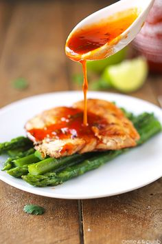 Sriracha Lime Salmon by cremedelacrumb: Tangy, spicy, healthy and ready in 20 minutes! #Salmon #Sriracha #Lime #Healthy #Fast
