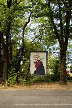 Designerly Posters Take Over a Small Italian City / Alessandro Gottardo #alessandro #gottorda #illustrazione #grafica #poster