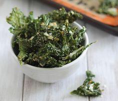 Skinny Holiday Recipes: Coconut-Garlic Kale Chips. #SkinnyHolidaySweeps