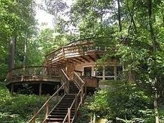 A Lakefront Round Home in Deep Creek Lake Maryland