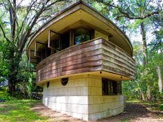 America's 11 Most Endangered Historic Places | 4. Frank Lloyd Wright's Spring House in Tallahassee, Florida - Constructed in 1954, the Spring House is the only built private Frank Lloyd residence in Florida and one of the few of the architect's houses that remain. However, weather and time have led to severe deterioration.