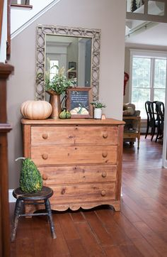 Fall Front Foyer | F