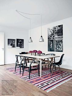 Patterned rug helps the room pop