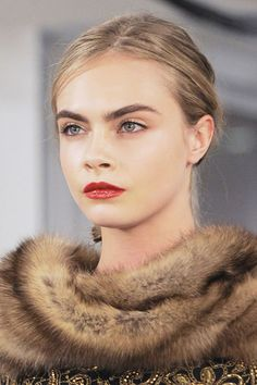Fall 2013 makeup trend: Glossy red lips