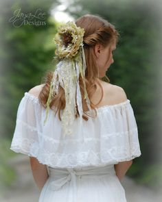 Rustic Lace Wedding Veil in Green by GreenTrunkDesigns