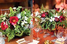 Deep-Red-Tulip-Fern-and-Dogwood-Centerpieces.jpg (600×400)