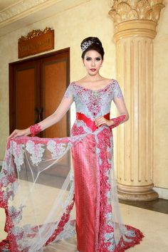 Kebaya fashion original from indonesia jaya company supplier.this kebaya like european design but this one is kebaya.with long and large trail with white fix in pink color.want it?