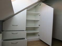 combles on pinterest attic storage attic bedroom. Black Bedroom Furniture Sets. Home Design Ideas