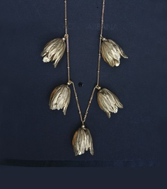 GOLD TULIP NECKLACE.    Vintage style necklace.