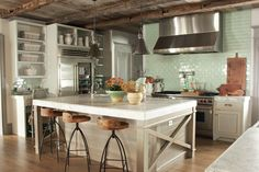 Rustic meets modern, with elements of industrial style, in this beautiful kitchen. #country #chic #industrial #kitchen