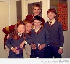 bonnie wright, harri potter, harry potter cast, famili, poker face, hogwart, chamber of secrets, ron weasley, diet coke
