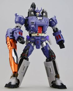 Unique Toys Mania King (Limited Edition) colors (3rd party Galvatron)