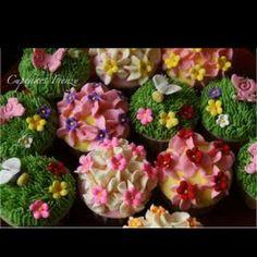 Garden themed cupcakes <3