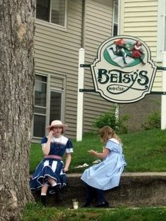 "Want to peek inside Betsy and Tacy's real houses from the Betsy-Tacy books?  Slideshow of the girls' restored houses from the beloved #BetsyTacy books in ""Deep Valley"" (Mankato, MN)"