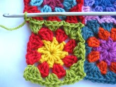 Joinging granny squares as you go, now that would save some time!  I'll have to try this