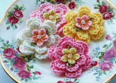 crochet flower with felt and pearl