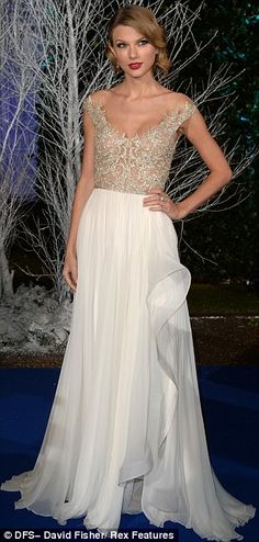 princess, taylor swift in dresses, bridesmaid dresses, dresses fancy, white and gold dresses, taylor swift fashion show, beauti thing, taylor swift white dress, white gowns