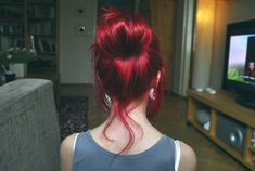 Red red red red. I want my hair this red.
