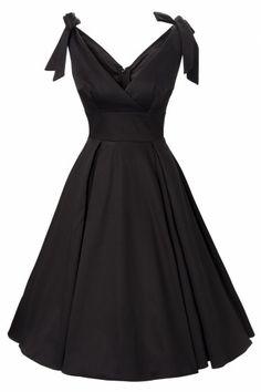 Adorable little black dress<3