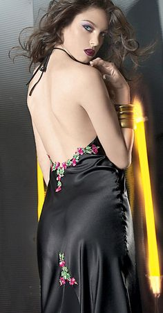 Dessous Set Fiordalisio Nachtkleid lang Morgenmantel http://www.korsett-corsage.net/product_info.php/products_id/767