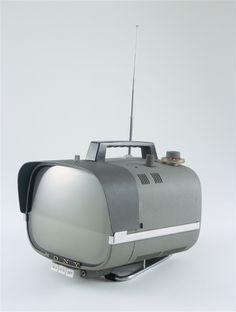 SONY TV8 301