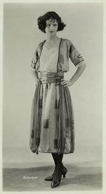 Women's fashions, 1921. @Deidré Wallace