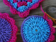fiber fluxadventur, crochet blankets, pattern, circl, crochet tutorials, scallop edg, crochet hearts, blanket stitch, crochet scallop