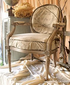 Beautiful French Chair Makeover!