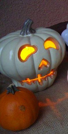 {☆ Skull Pumpkin Carving ☆}  #halloween #jackolantern