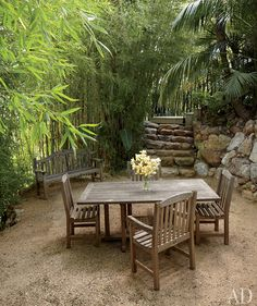 i love this dining area surrounded by bamboo...