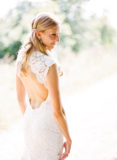 Who doesn't love a backless lace wedding gown by Monique Lhuillier? Photography by Austin Gros / austingros.com